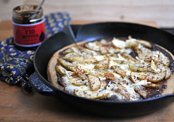 Figgy Brie & Roasted Pear Skillet Pizza | the pig& quill