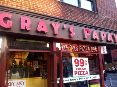 NYC Foodie Trip Day 3 - Gray's Papaya