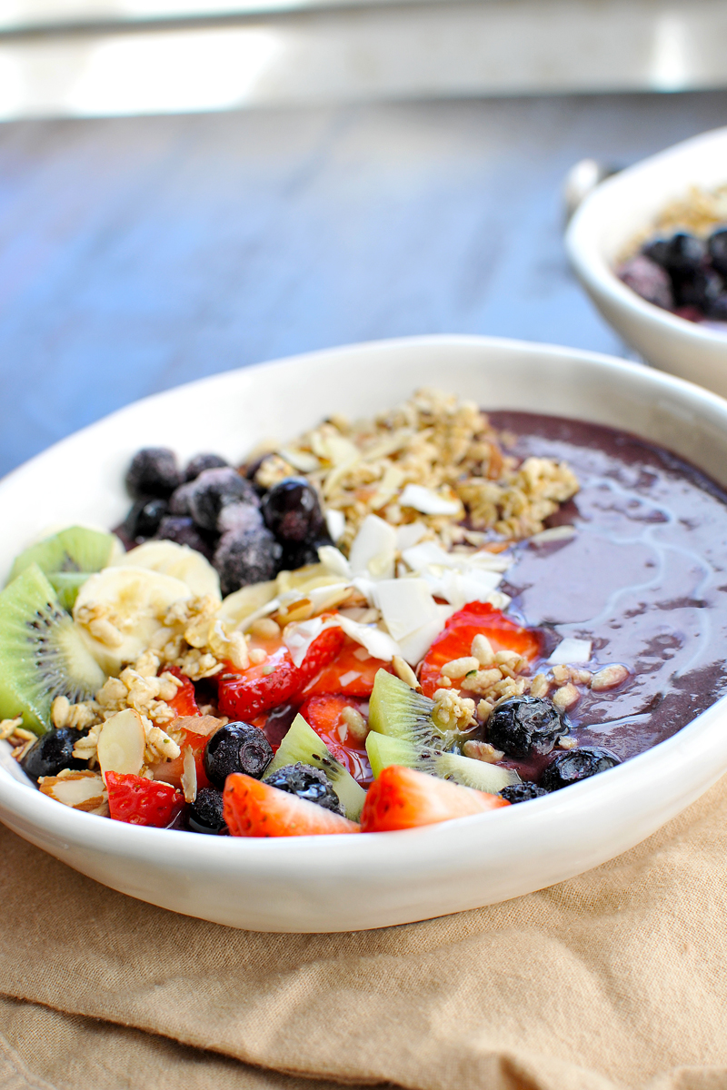 Classic Açaí Bowls recipe (via thepigandquill.com) These vegan açaí bowls taste of vacation but are surprisingly easy to make at home! #glutenfree