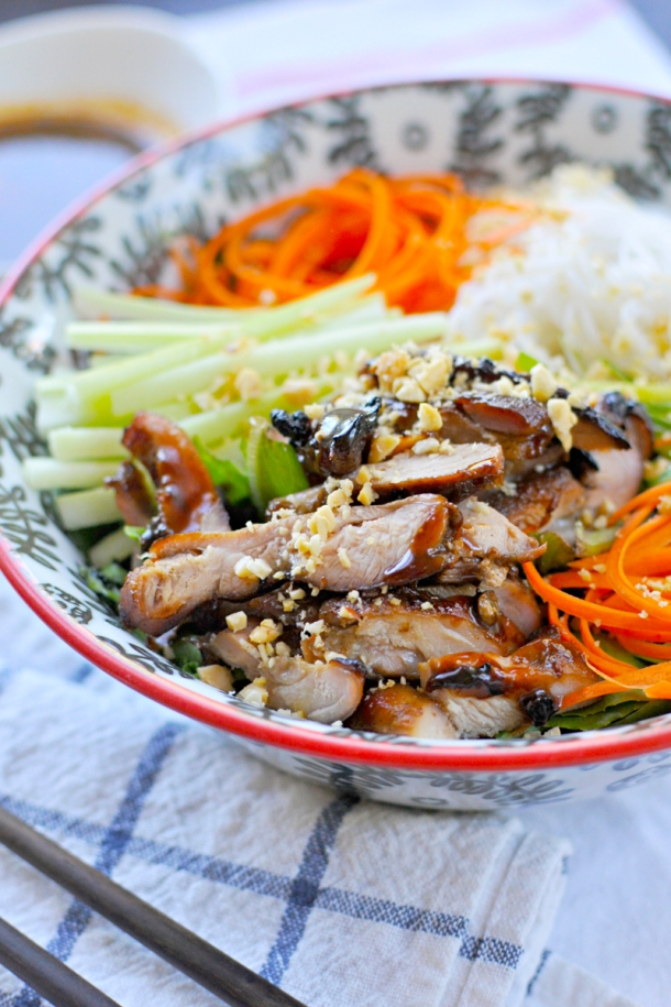 Char-Siu Chicken Bún Bowls w/ Thai Fish Sauce | www.thepigandquill.com | #glutenfree